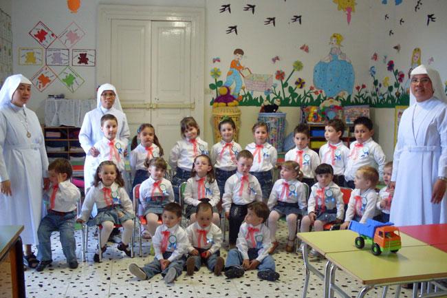 I bambini della scuola materna di Trivento gestita dalla suore degli angeli